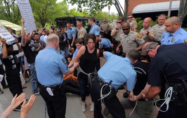 Carolin Arrest